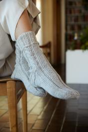 Novita Isoveli: Tauko cable socks
