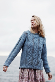 Women's cabled sweater Novita Isoveli