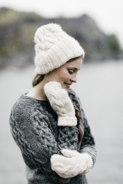 Knitted mittens with cables Novita Natura