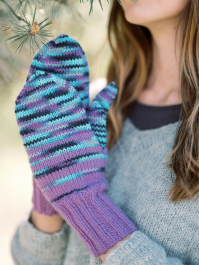 Pakkanen Knitted mittens with afterthought thumb Novita 7 Veljestä ja 7 Veljestä Polaris