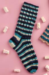 Novita Muumihahmot: Seikkailu vuorilla (A Mountain Adventure) socks