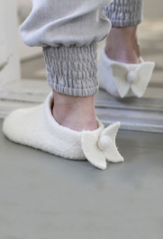 Knitted and felted angel slippers Novita Natura