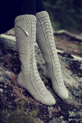 Womans Lace Knee Socks Novita 7 Veljestä (7 Brothers)