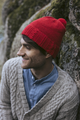 Berry Picker knitted hat Novita Venla
