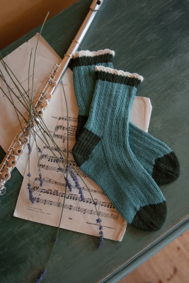 Novita Woolly Wood and Venla: Cadenza socks
