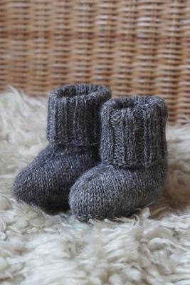 Novita Suomivilla: Tassutellen baby booties