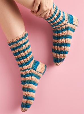 Novita Muumihahmot: Näkinkenkiä poimimassa (Seashell Hunting) socks