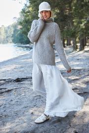 Novita 7 Veljestä: Vapaus knitted sweater