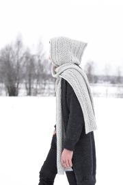 Novita 7 Veljestä: Väylä hooded scarf