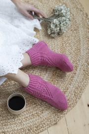 Novita 7 Veljestä: Madeleine lace socks