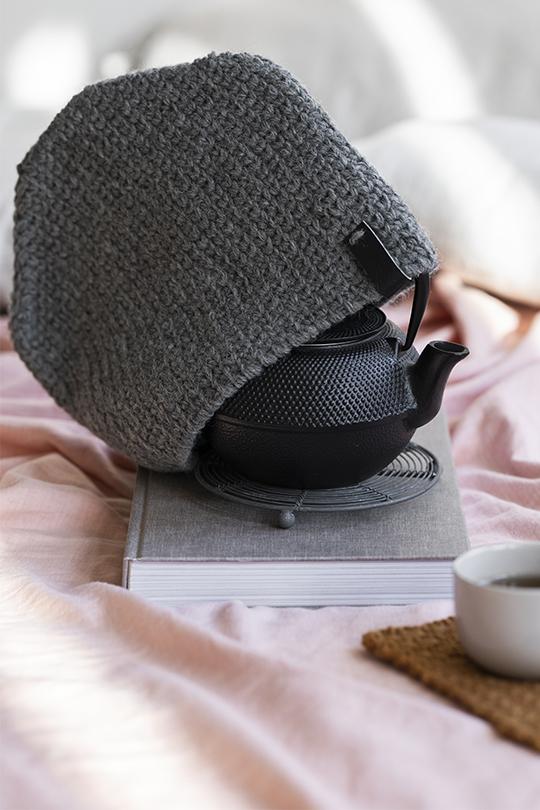 Kesäextra 2020, Malli 13, Aamukahvi -pannumyssy Novita Nordic Wool