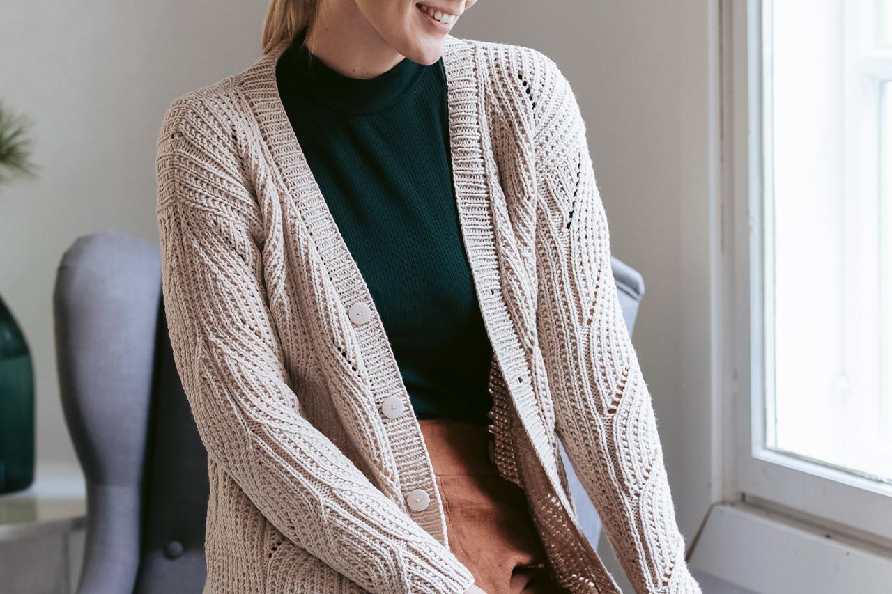 Vintern 2019, Modell 36,  Halm – flätstickad kofta Novita Baby Wool