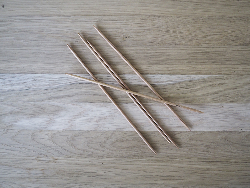 Double-pointed needles (DPN's)